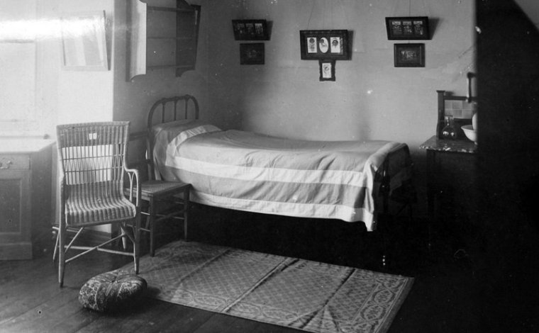 bing1936bedroom-001
